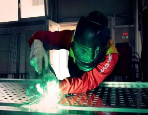 Who makes snap on welders
